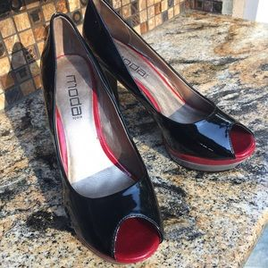 Moda Spana patent leather 4 inch heels 8 1/2 M
